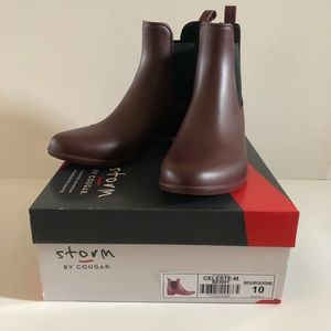 NIB Storm by Cougar women's berry boots size 10